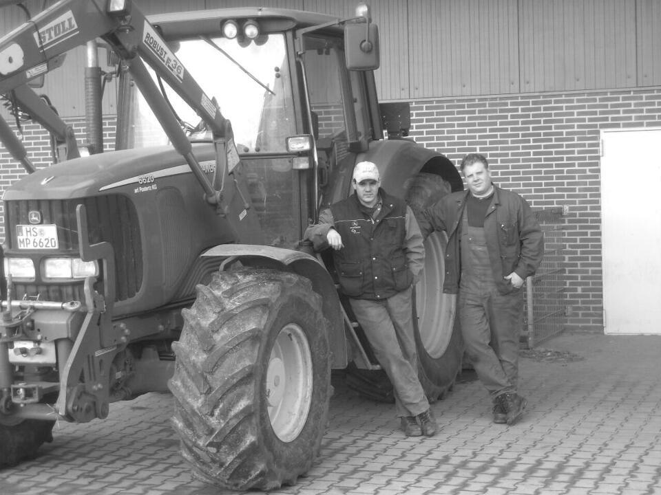 Dennis Pappers und Christoph Clever nach getaner Arbeit