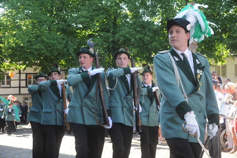 Herberts Blumenkinder - Parade auf dem Kirchplatz (2012)