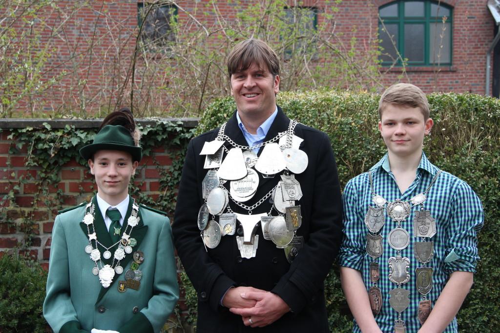 Schülerprinz Nikolas Schlitt, König Daniel Schlagheck und Prinz Paul Schlagheck