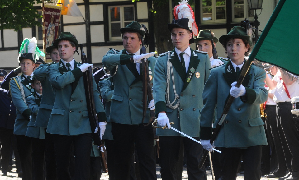 Jägerzug '07 bei der Parade auf dem Kirchplatz (2012)