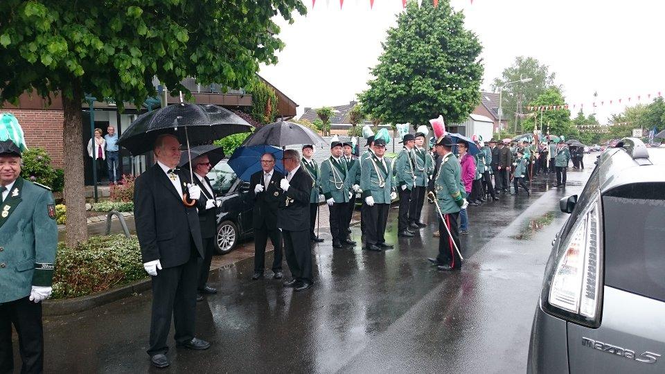 Unsere Bruderschaft im Regen ...