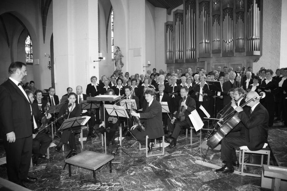 Projektchor Pfingsten 2006 mit Orchester