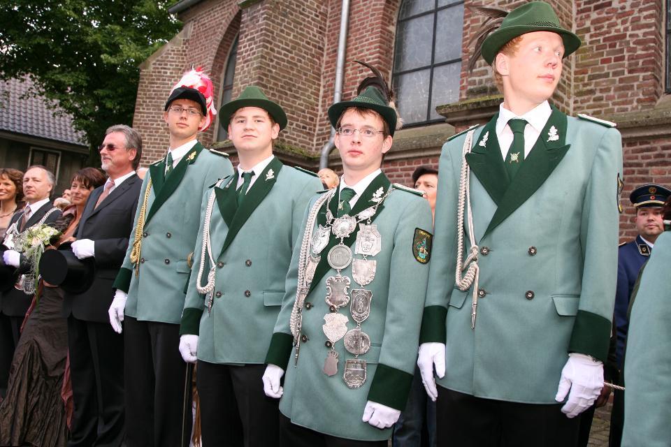 Prinz Malte Hotes, Minister Arne Kamphausen und Felix Peters, Prinzenadjutant Marc von der Forst