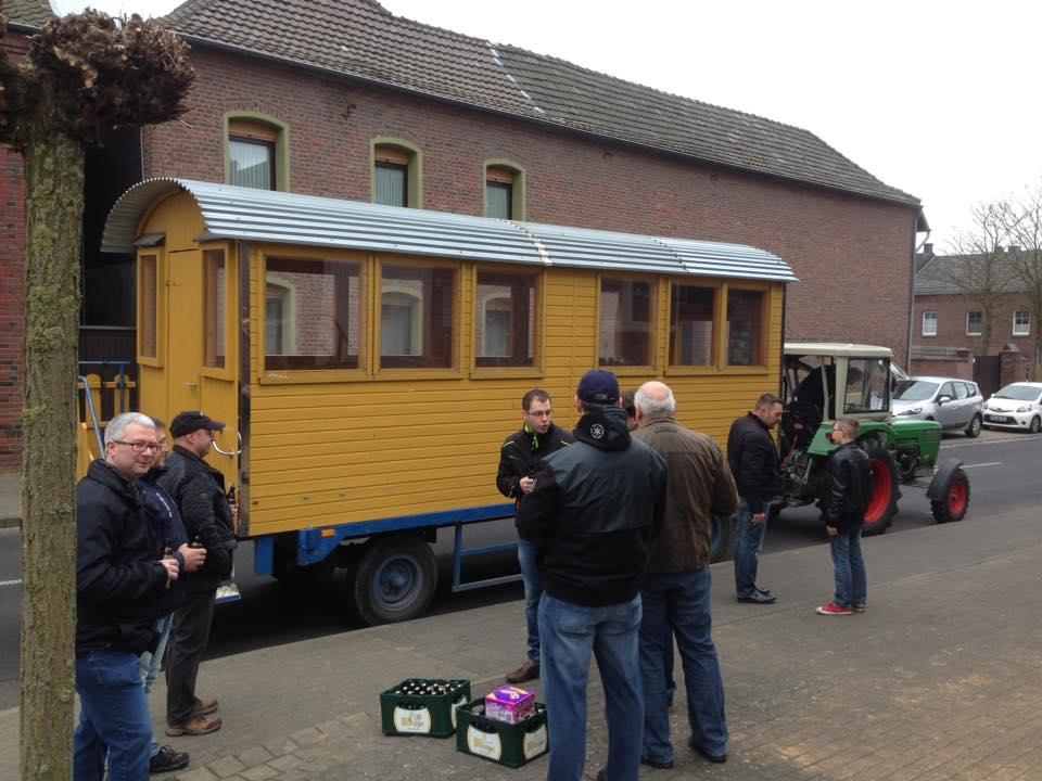Treffen für das Ostereierschießen in Beeck (Foto von Marc Ohde, Facebook)